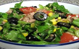 Салат с консервированным тунцом рецепт