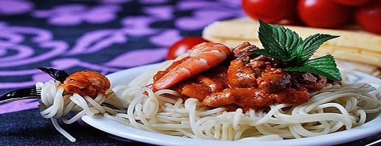 Отварные спагетти с морепродуктами – рецепт и калорийность