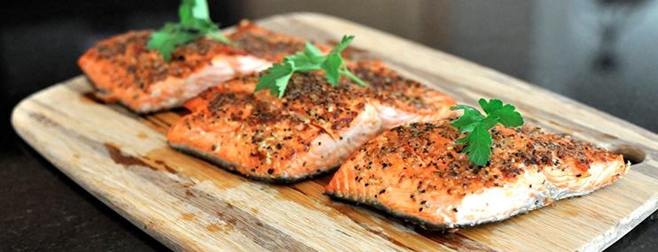 Жареный лосось – калорийность и рецепт