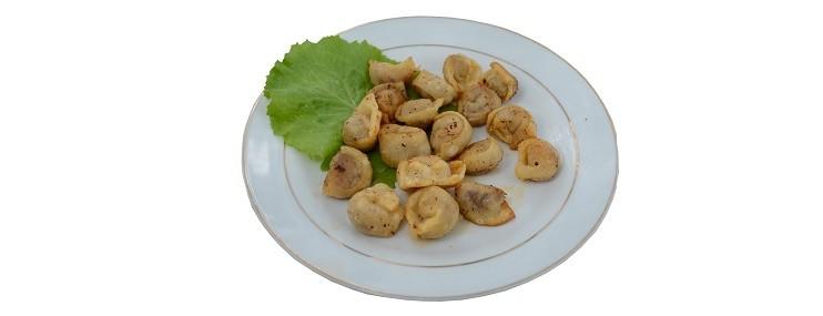 Жареные пельмени на сковороде — рецепт и калорийность