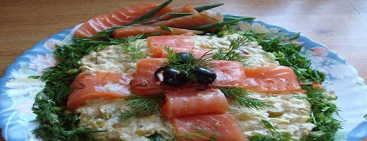 Рецепт салата с кальмарами и креветками и его калорийность