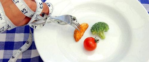 Чем опасна жесткая диета для похудения?
